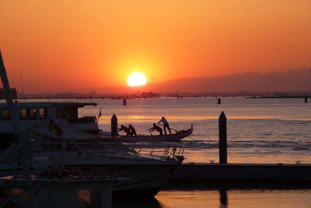 Tour en bateau insolite - Vivez la Lagoon Experience !