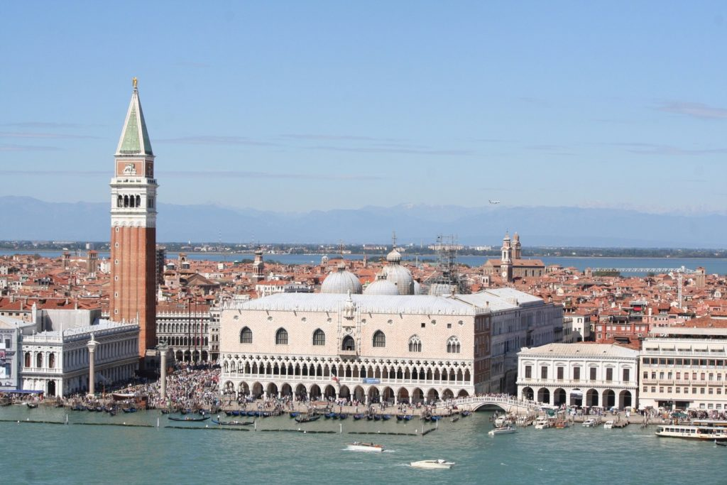 Visitez Venise des plages de la Vénétie : réservez activités et transport en quelques clicks !