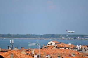 Venedig Reisen ohne Auto, wählen Sie zwischen den zwei Flughäfen