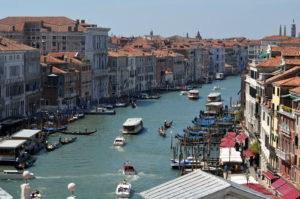 Venedig Reisen mit den öffentlichen Verkehrsmitteln