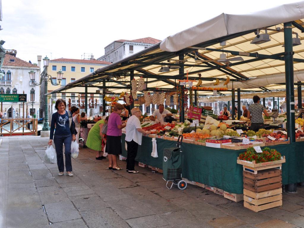 Mercato di Rialto. Venezia
