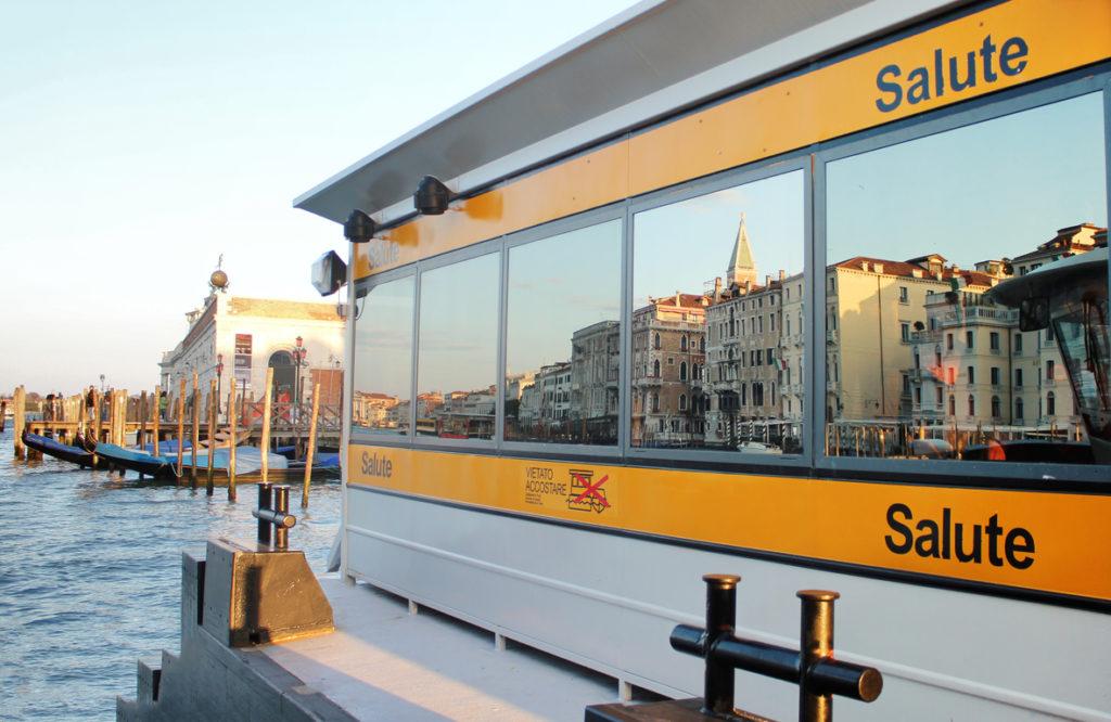 transport-Venise-vaporetto