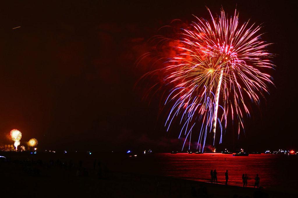 Beach on Fire: Croisière panoramique à Venise et feu d'artifice sur la plage!