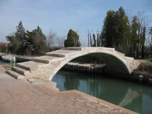 lagune de venise en bateau - ponte-diavolo - Vivovenetia