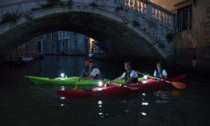 Venise kayak nocturne Vivovenetia