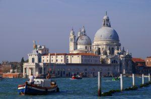 Balade Bateau Venise punta delle dogana Vivovenetia