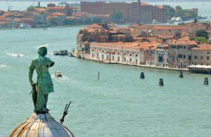 Balade Bateau Venise Canal de la Giudecca Vivovenetia