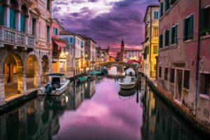 Promenade en gondole à Venise canaux.foto